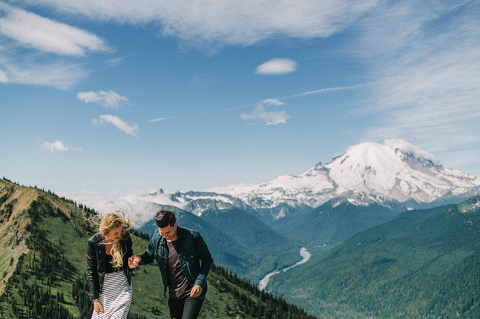 ALEX+ANJE-blog-13 MOUNT RAINIER VIEW MOUNTAINTOP PROPOSAL
