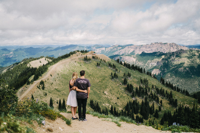 ALEX+ANJE-blog-28 MOUNT RAINIER VIEW MOUNTAINTOP PROPOSAL