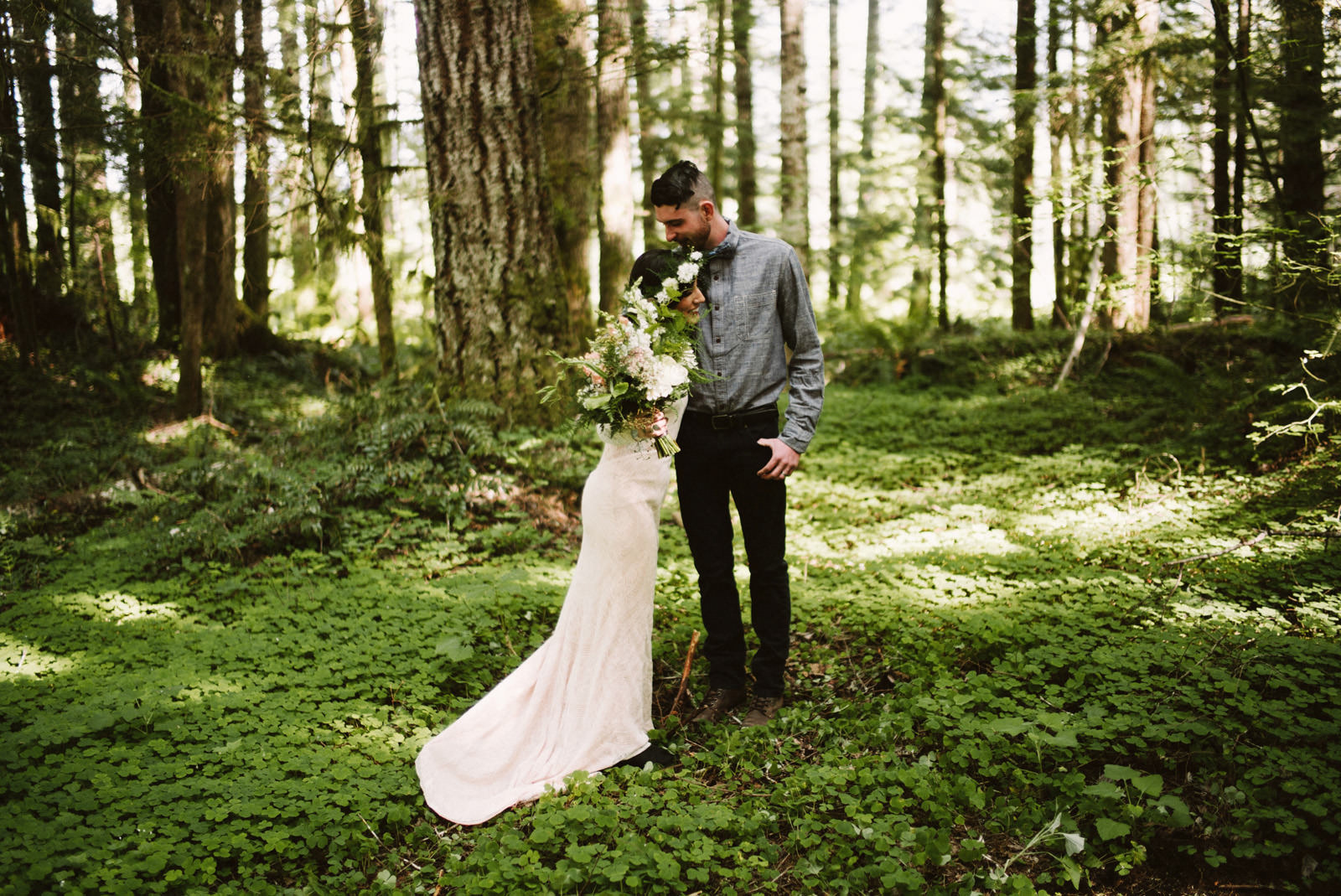 katelynnethan-blog-07 MOUNT RAINIER LOOKOUT ELOPEMENT