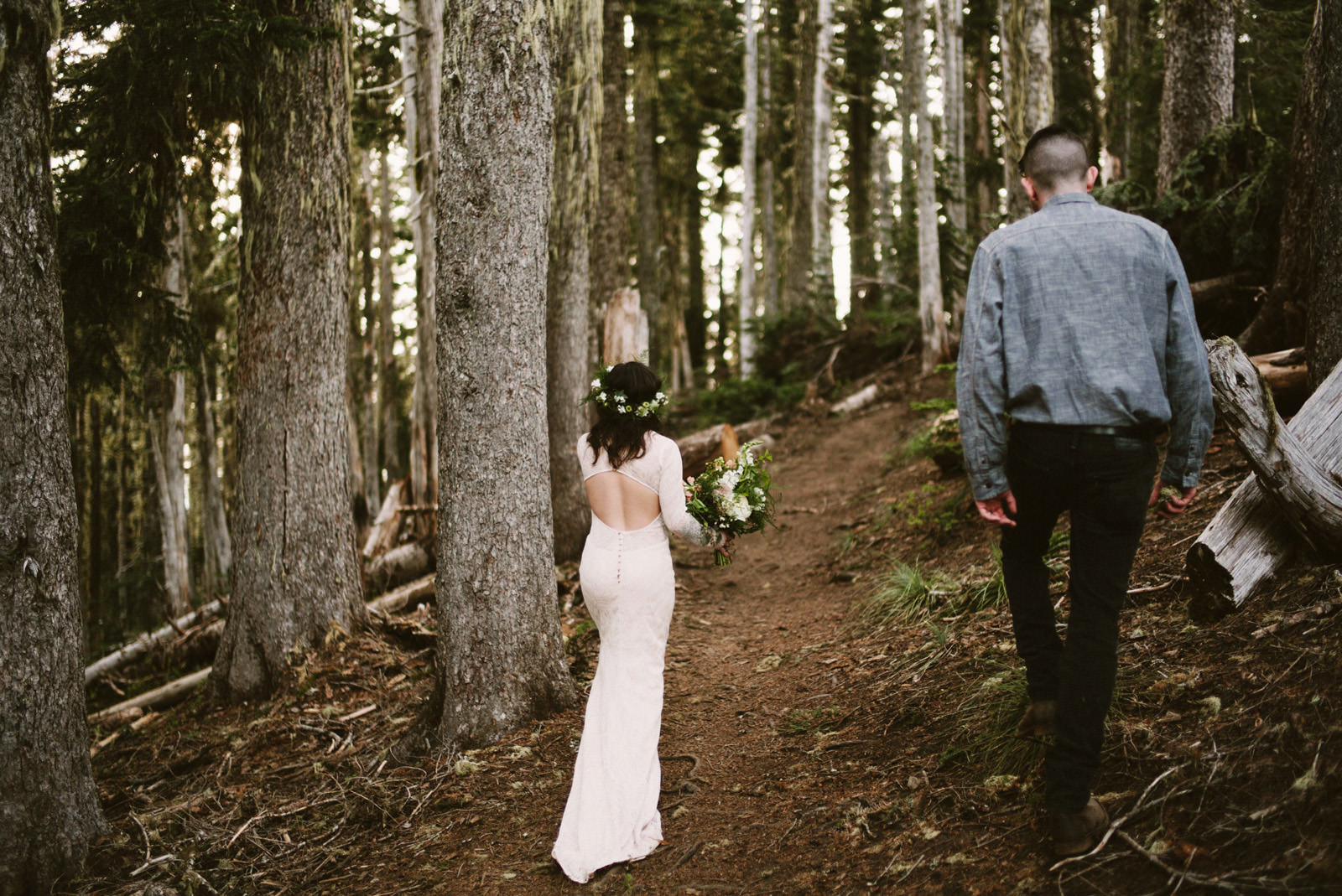 katelynnethan-blog-18 MOUNT RAINIER LOOKOUT ELOPEMENT