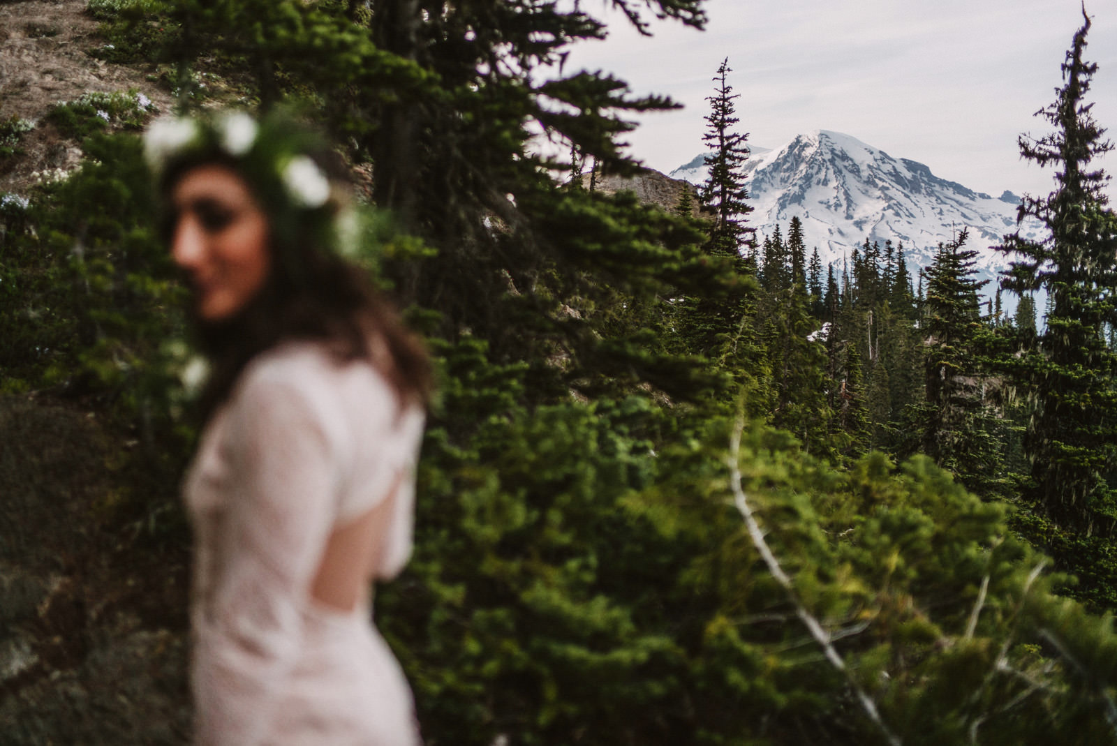 katelynnethan-blog-19 MOUNT RAINIER LOOKOUT ELOPEMENT