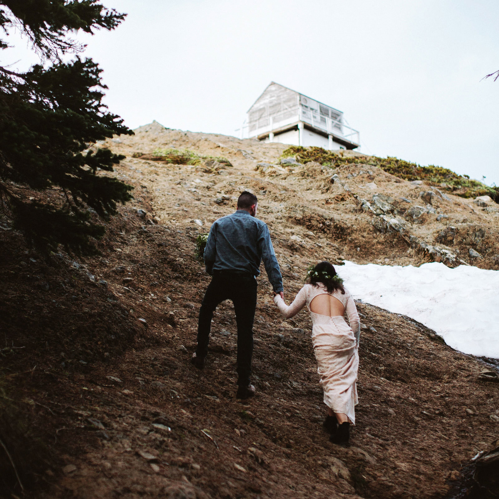 katelynnethan-blog-20 MOUNT RAINIER LOOKOUT ELOPEMENT