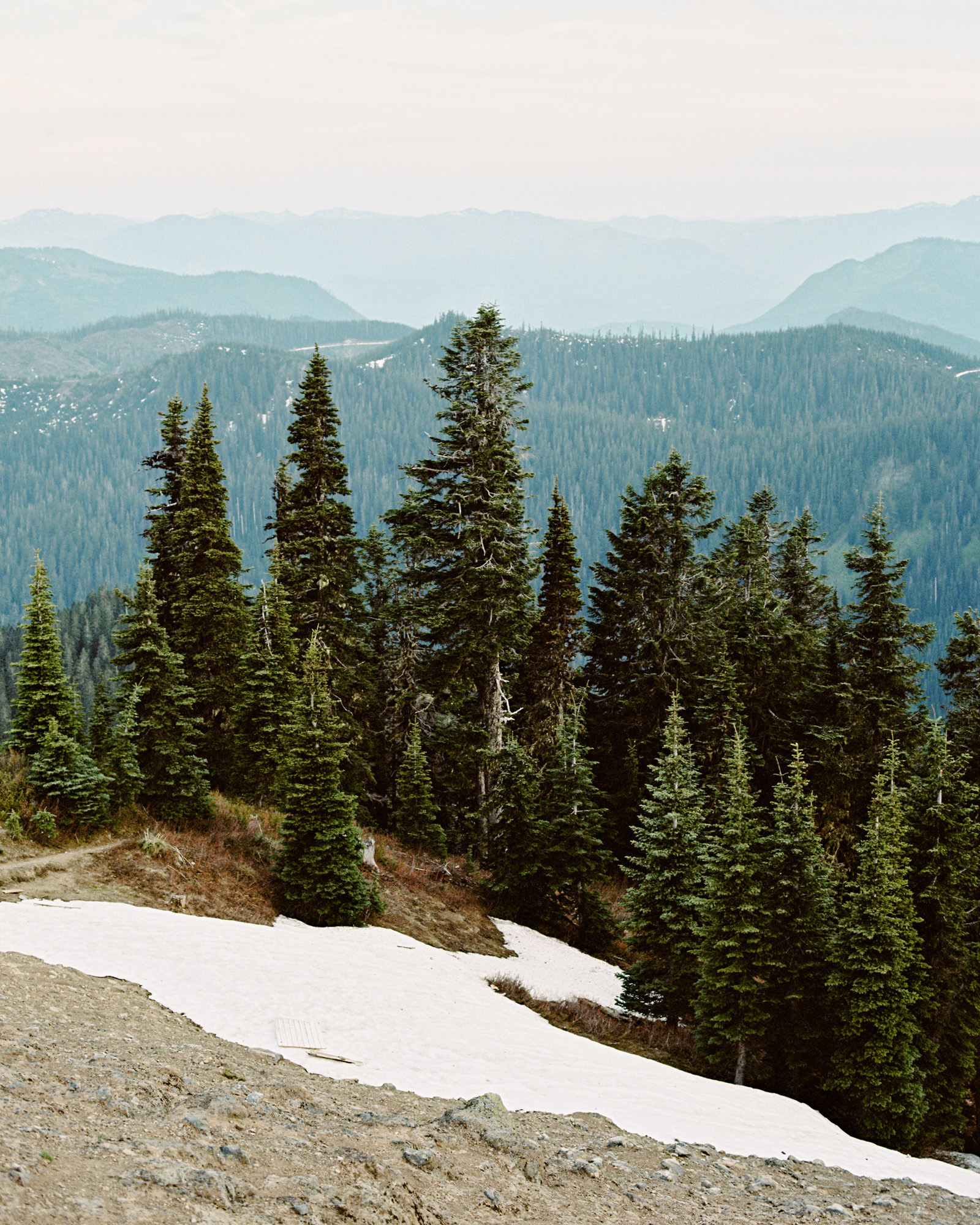katelynnethan-blog-21 MOUNT RAINIER LOOKOUT ELOPEMENT