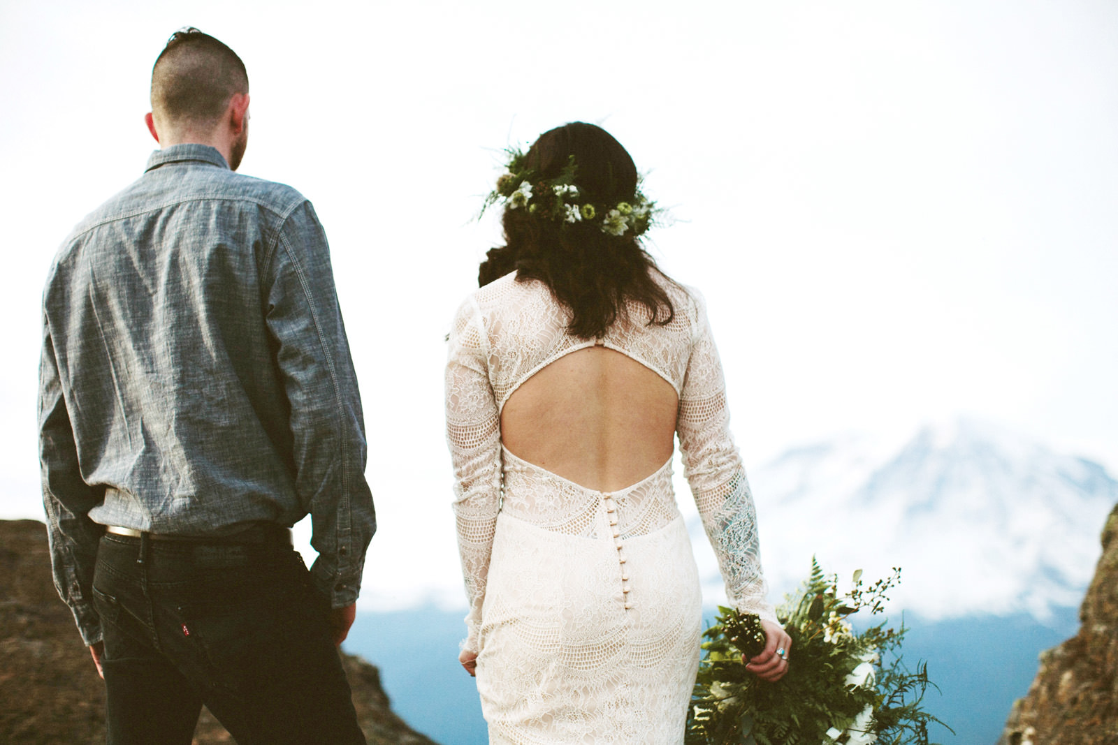 katelynnethan-blog-24 MOUNT RAINIER LOOKOUT ELOPEMENT
