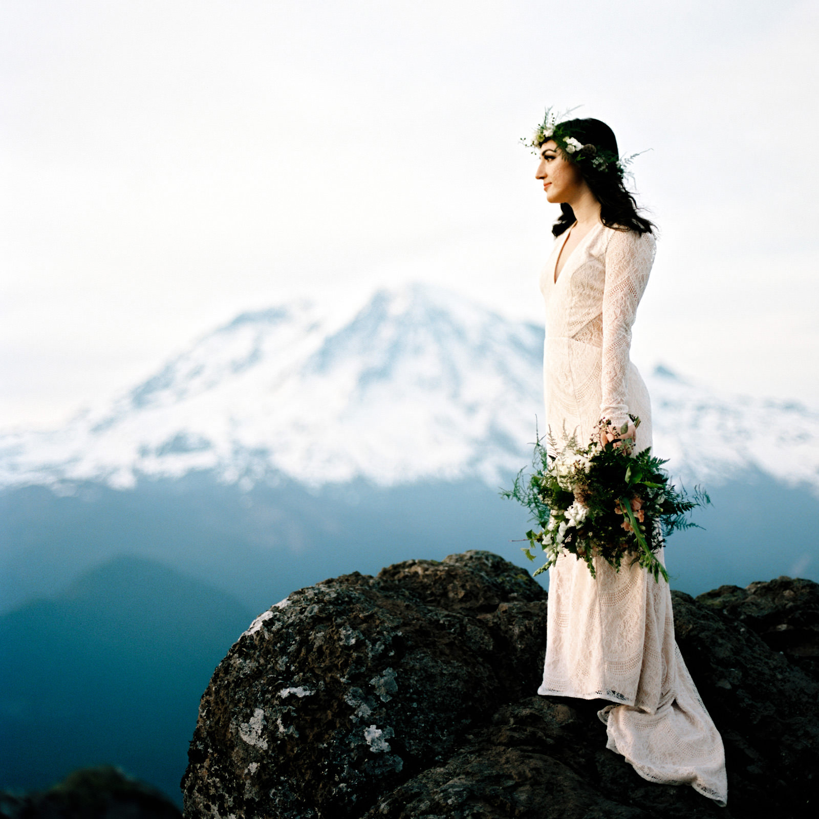 katelynnethan-blog-28 MOUNT RAINIER LOOKOUT ELOPEMENT