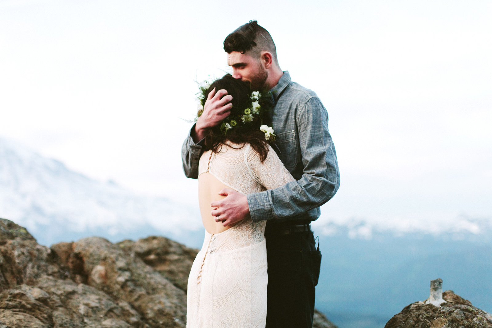 katelynnethan-blog-33 MOUNT RAINIER LOOKOUT ELOPEMENT