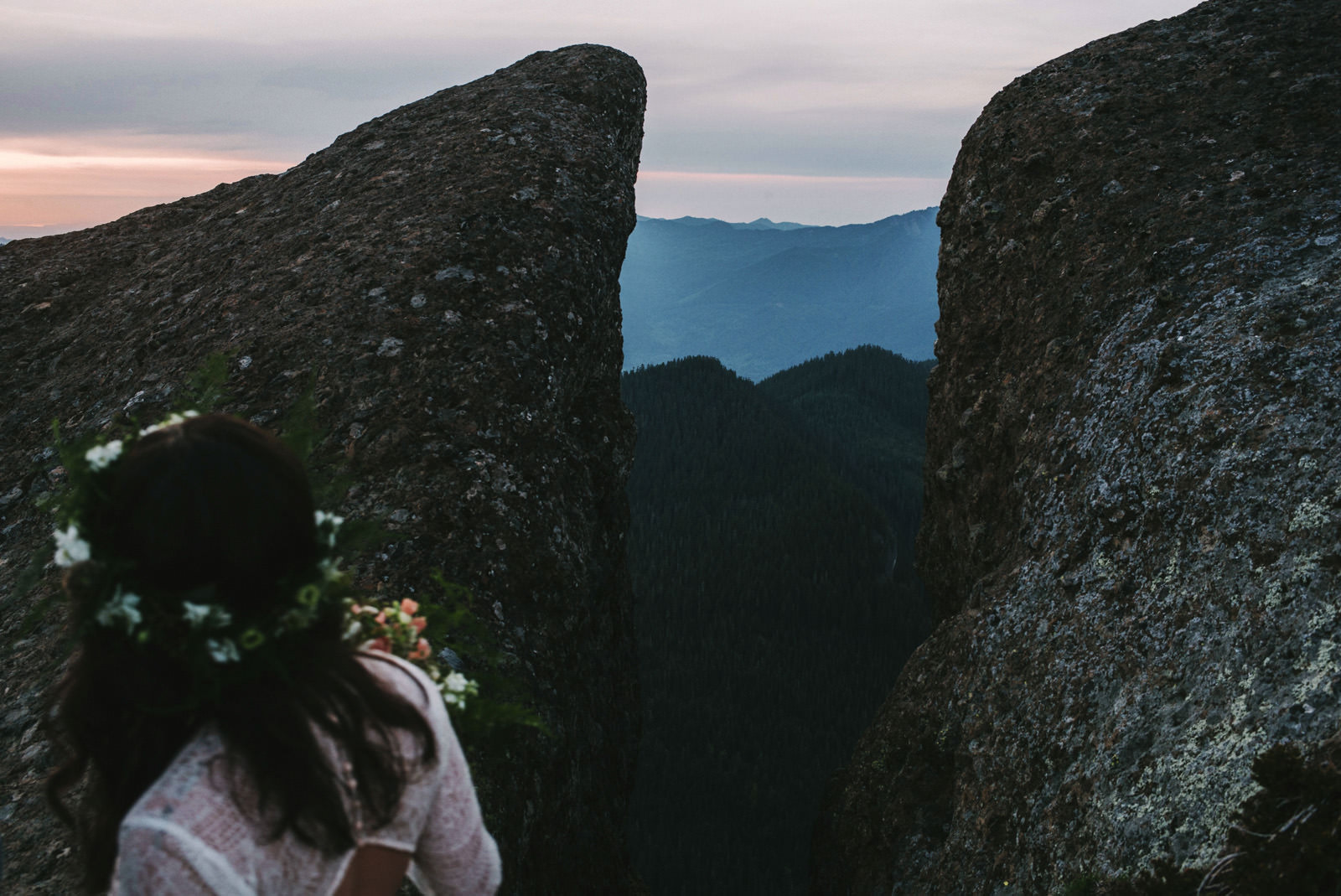 katelynnethan-blog-36 MOUNT RAINIER LOOKOUT ELOPEMENT