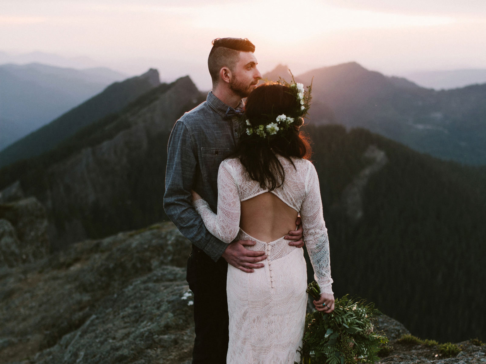 katelynnethan-blog-38 MOUNT RAINIER LOOKOUT ELOPEMENT