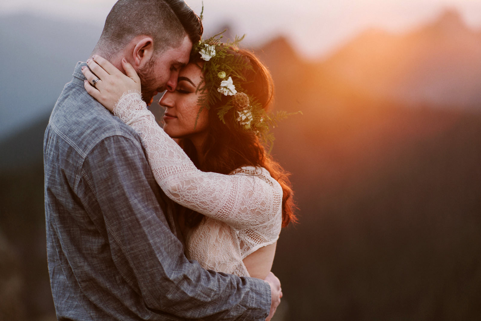katelynnethan-blog-41 MOUNT RAINIER LOOKOUT ELOPEMENT
