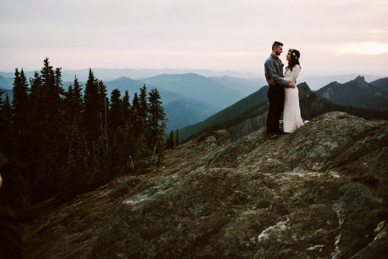katelynnethan-blog-42-1 MOUNT RAINIER LOOKOUT ELOPEMENT