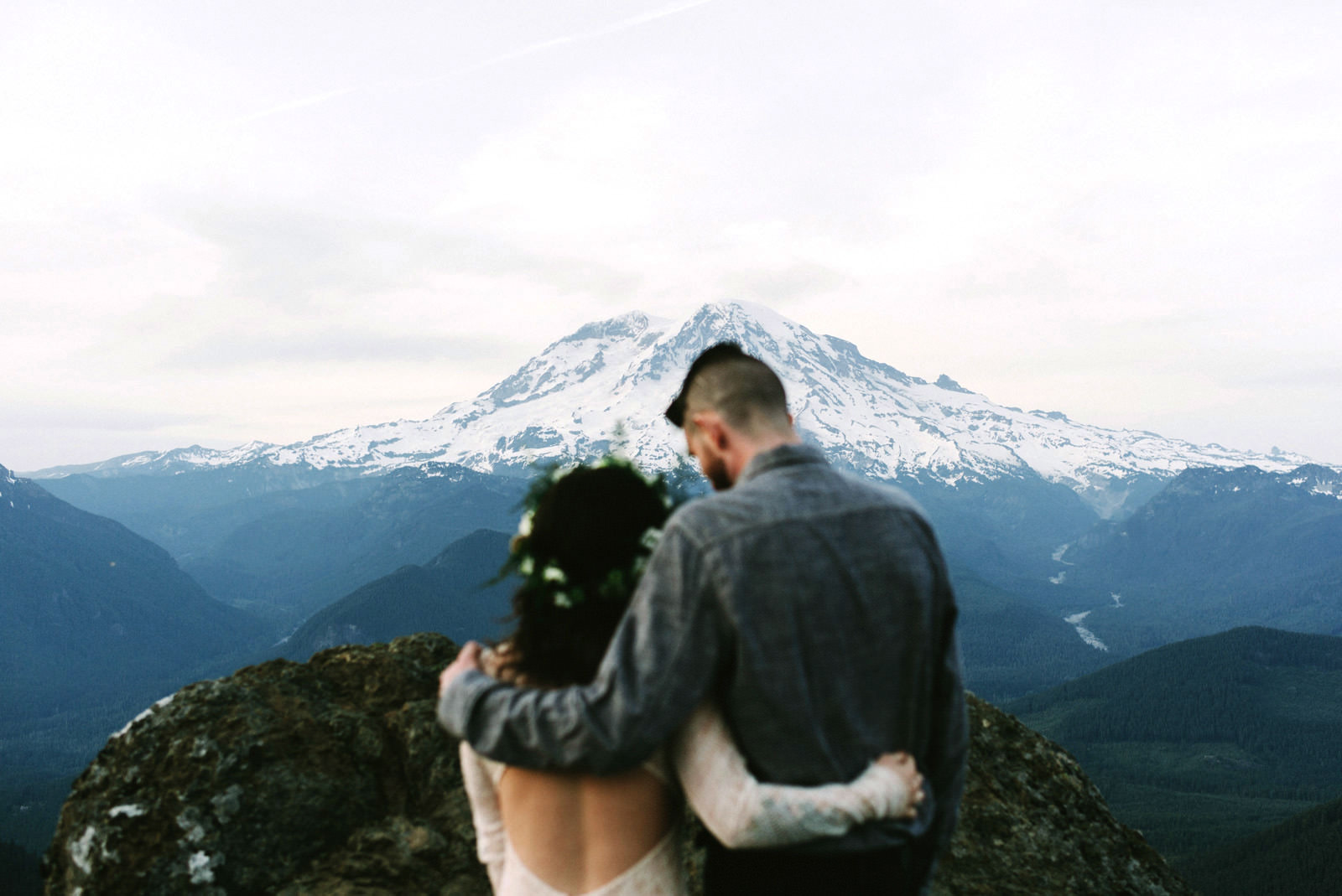 katelynnethan-blog-43 MOUNT RAINIER LOOKOUT ELOPEMENT