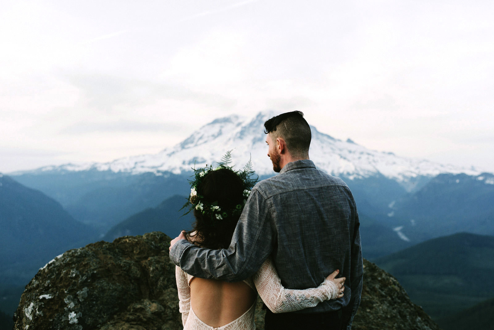 katelynnethan-blog-44 MOUNT RAINIER LOOKOUT ELOPEMENT