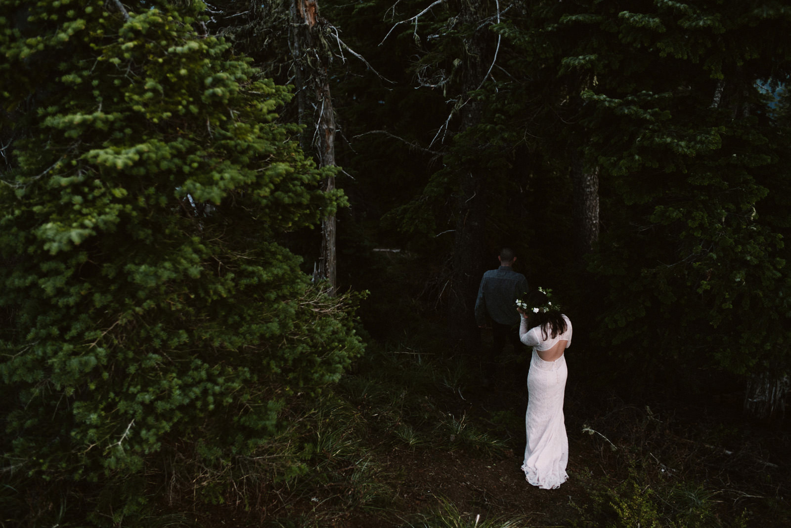 katelynnethan-blog-45 MOUNT RAINIER LOOKOUT ELOPEMENT