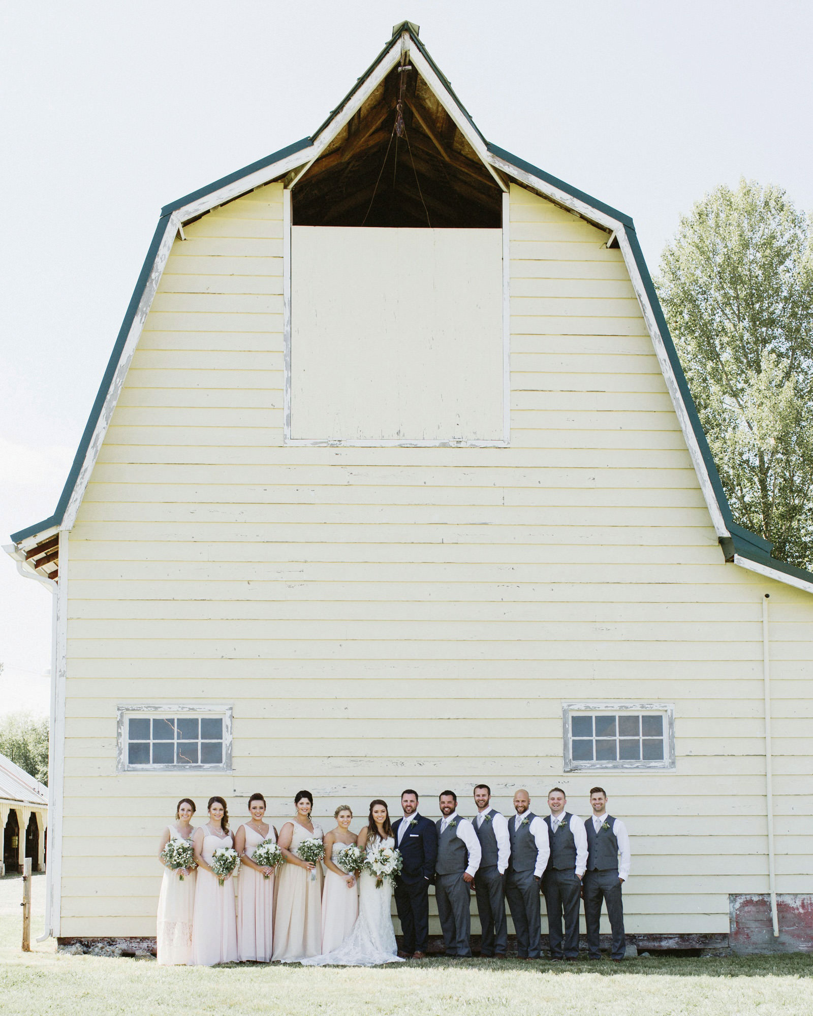 drewtiawna-blog-09 YELLOW BARN WEDDING