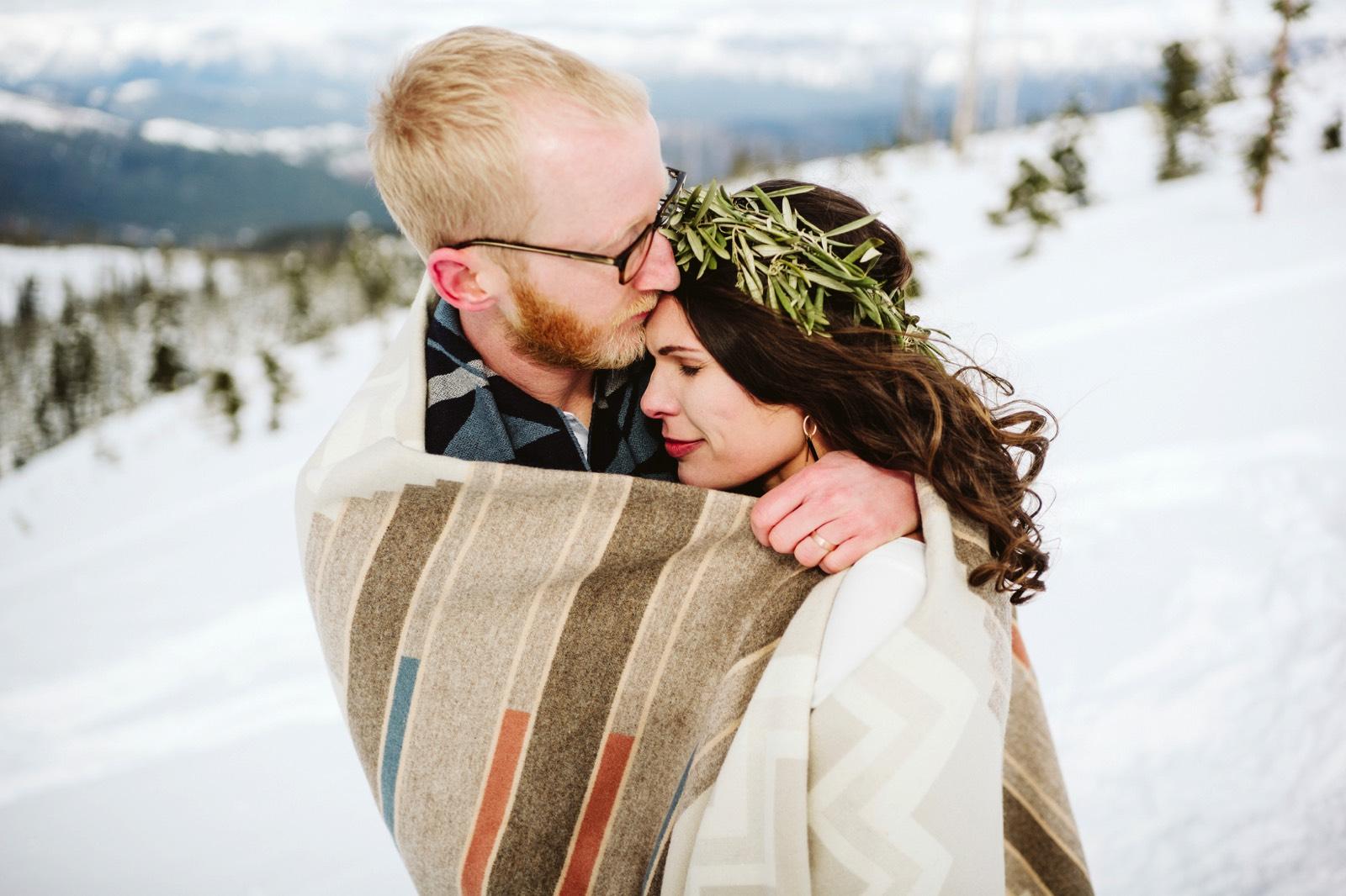 alpine-lakes-high-camp-winter-wedding-55 ALPINE LAKES HIGH CAMP WEDDING