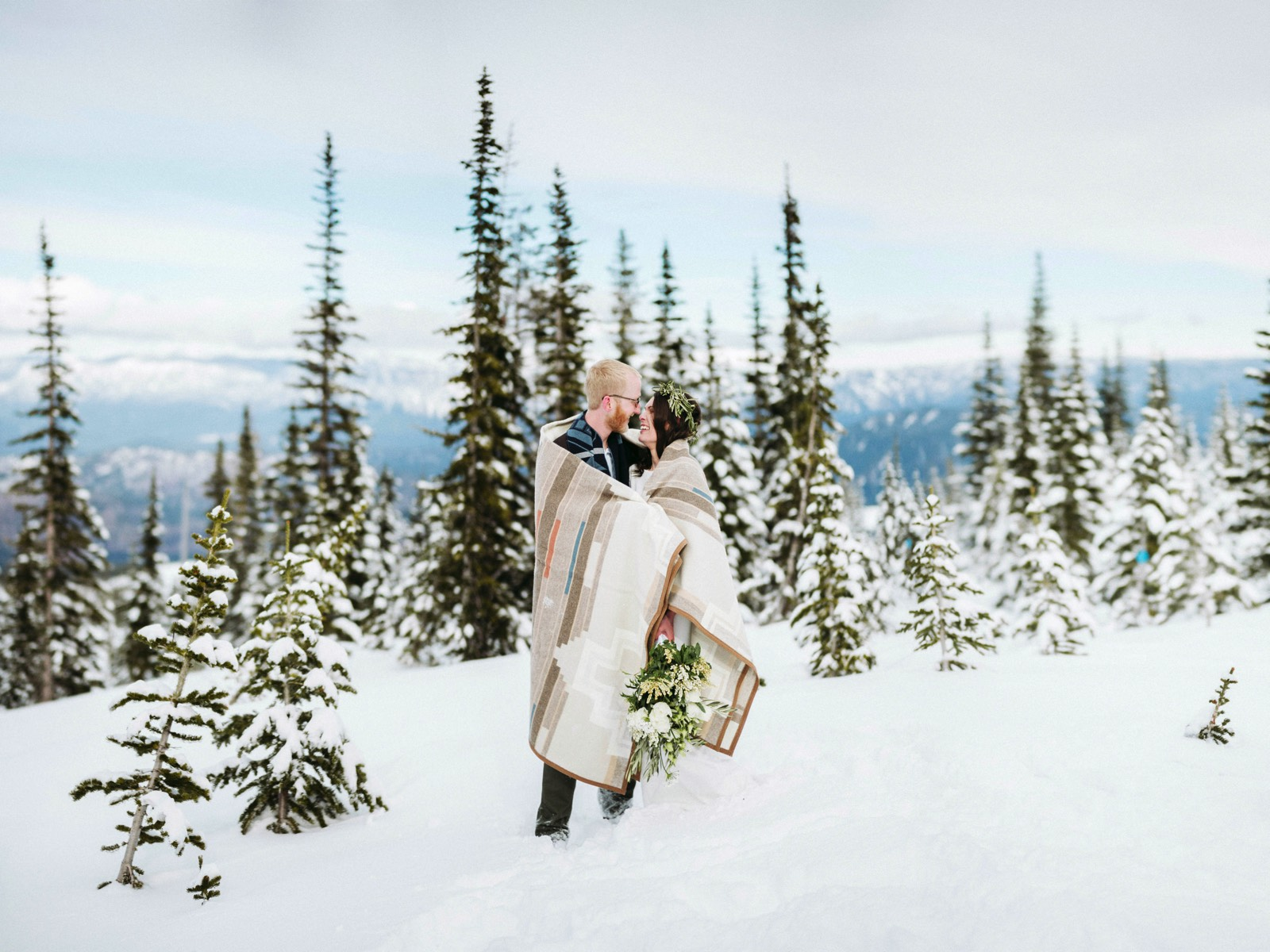 alpine-lakes-high-camp-winter-wedding-60 ALPINE LAKES HIGH CAMP WEDDING