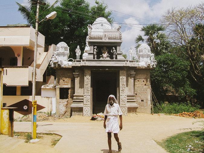 india-23 INDIA // 2005