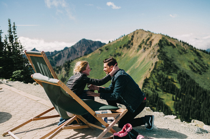 ALEX+ANJE-blog-07 MOUNT RAINIER VIEW MOUNTAINTOP PROPOSAL