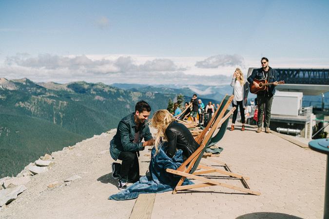 ALEX+ANJE-blog-09 MOUNT RAINIER VIEW MOUNTAINTOP PROPOSAL