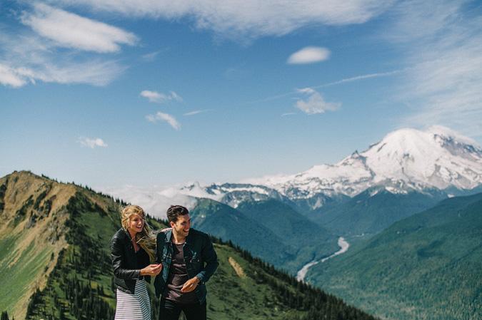 ALEX+ANJE-blog-10 MOUNT RAINIER VIEW MOUNTAINTOP PROPOSAL