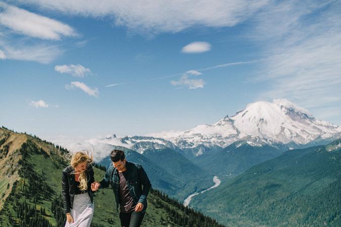 ALEX+ANJE-blog-13 MOUNT RAINIER VIEW MOUNTAINTOP PROPOSAL