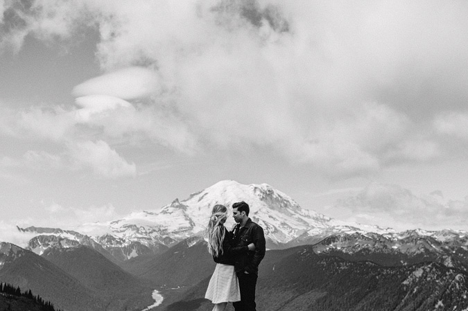 ALEX+ANJE-blog-14 MOUNT RAINIER VIEW MOUNTAINTOP PROPOSAL