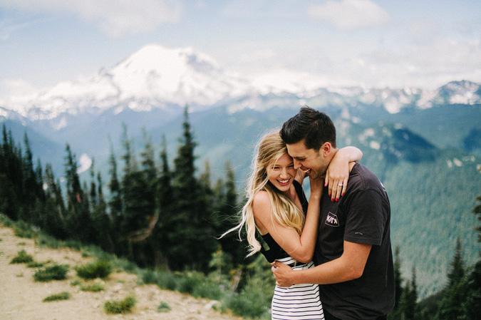 ALEX+ANJE-blog-18 MOUNT RAINIER VIEW MOUNTAINTOP PROPOSAL