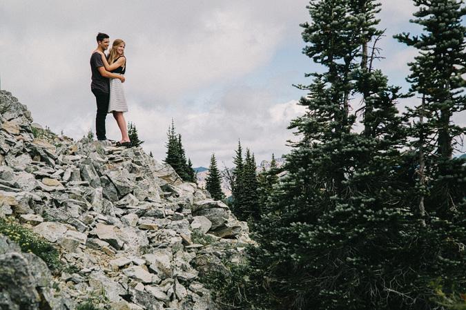 ALEX+ANJE-blog-26 MOUNT RAINIER VIEW MOUNTAINTOP PROPOSAL
