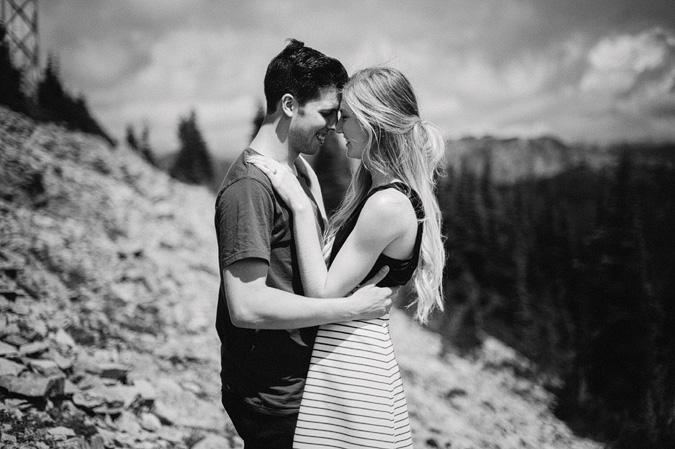 ALEX+ANJE-blog-27 MOUNT RAINIER VIEW MOUNTAINTOP PROPOSAL