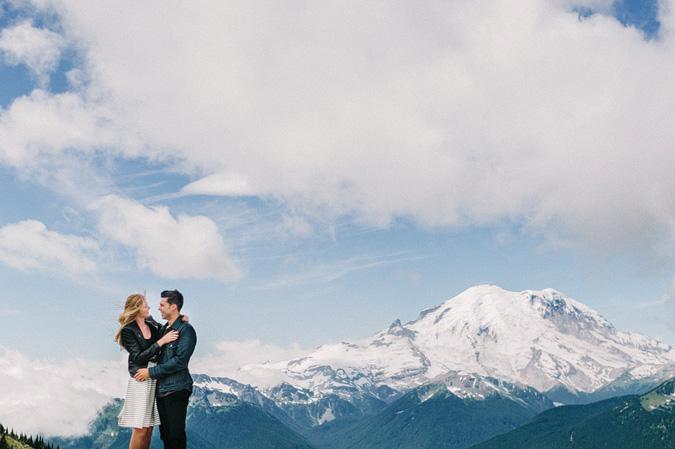 ALEX+ANJE-blog-35 MOUNT RAINIER VIEW MOUNTAINTOP PROPOSAL