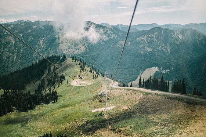 ALEX+ANJE-blog-36 MOUNT RAINIER VIEW MOUNTAINTOP PROPOSAL
