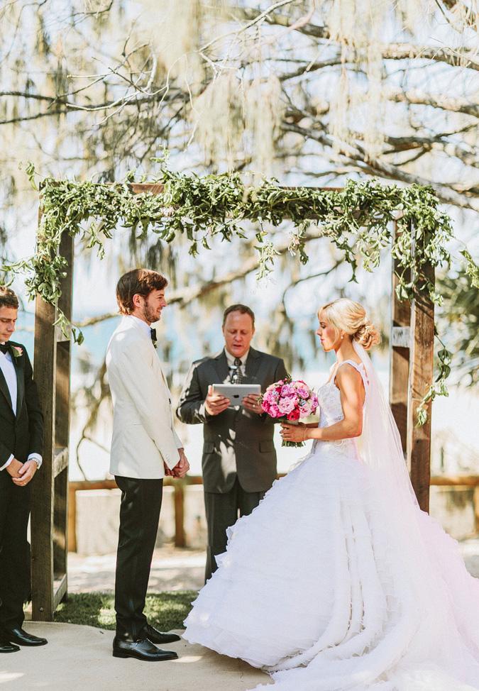 CLAYTON+DANIELLE-30 NOOSA, AUSTRALIA WEDDING