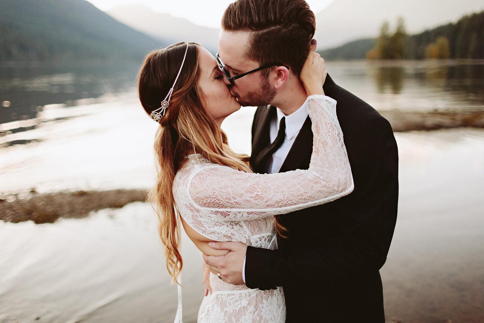 bethany-cory-098 LAKE CUSHMAN CAMPING WEDDING