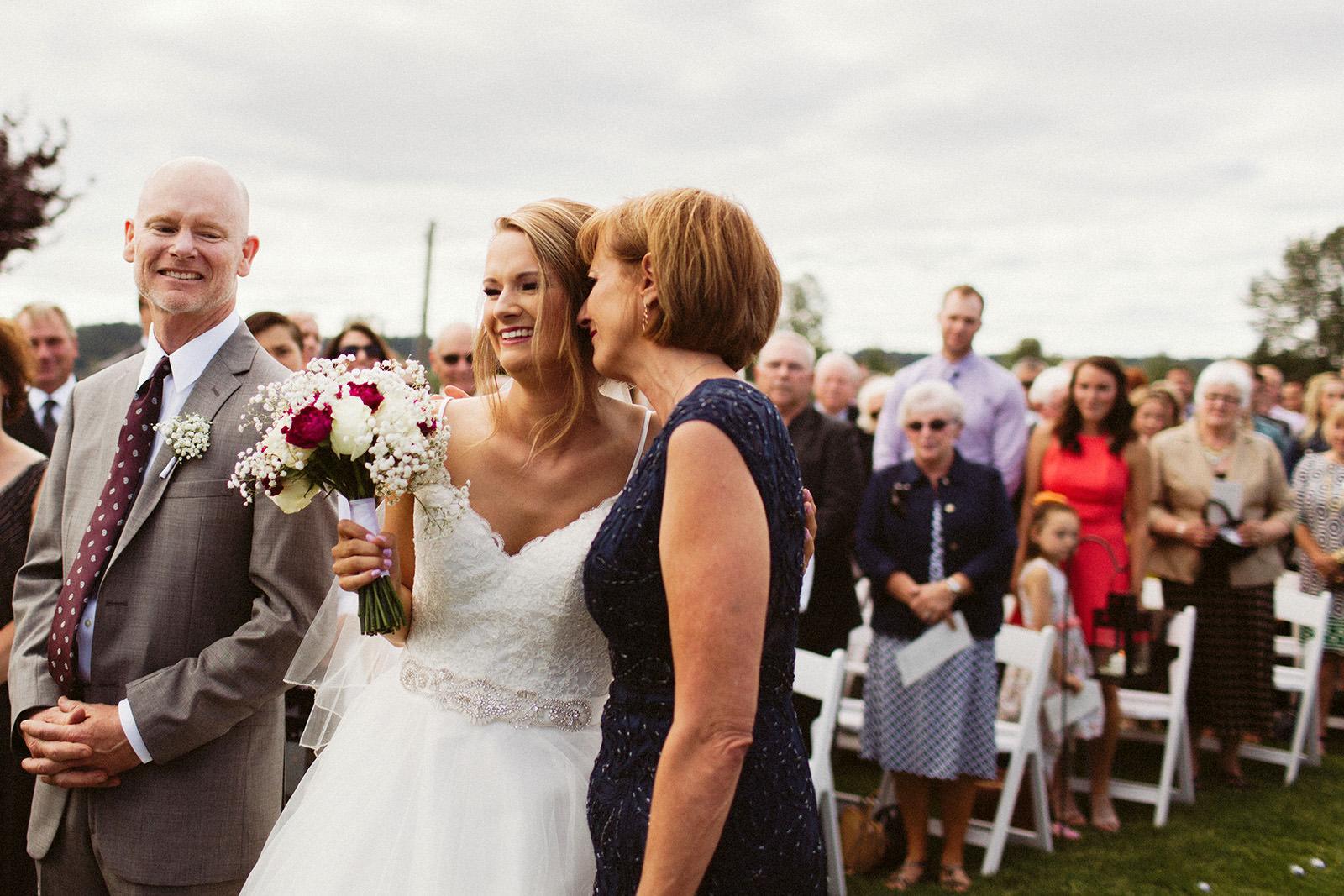 jacobregan-blog-19 SCHILLER FAMILY FARM WEDDING