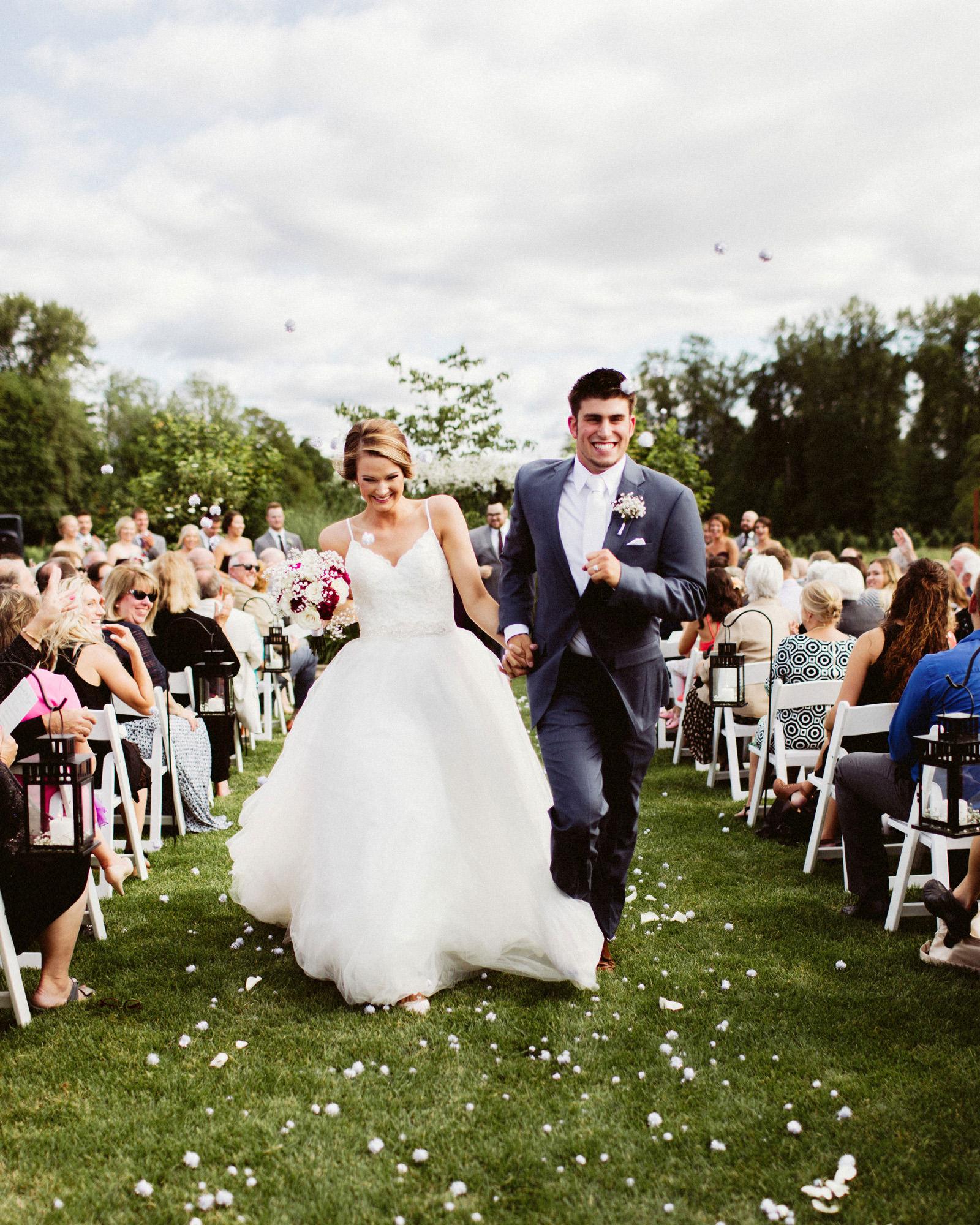 jacobregan-blog-30 SCHILLER FAMILY FARM WEDDING