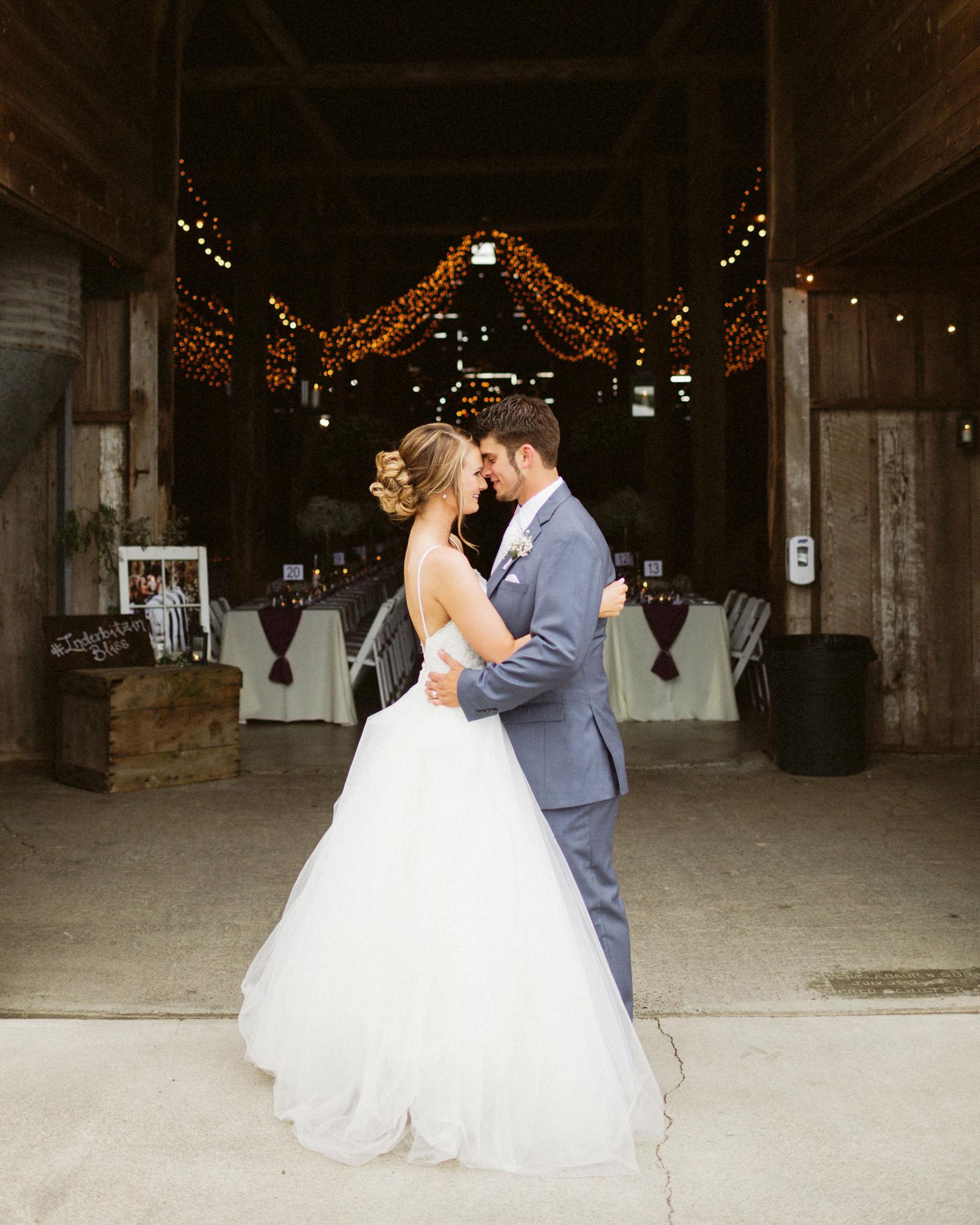 jacobregan-blog-43 SCHILLER FAMILY FARM WEDDING