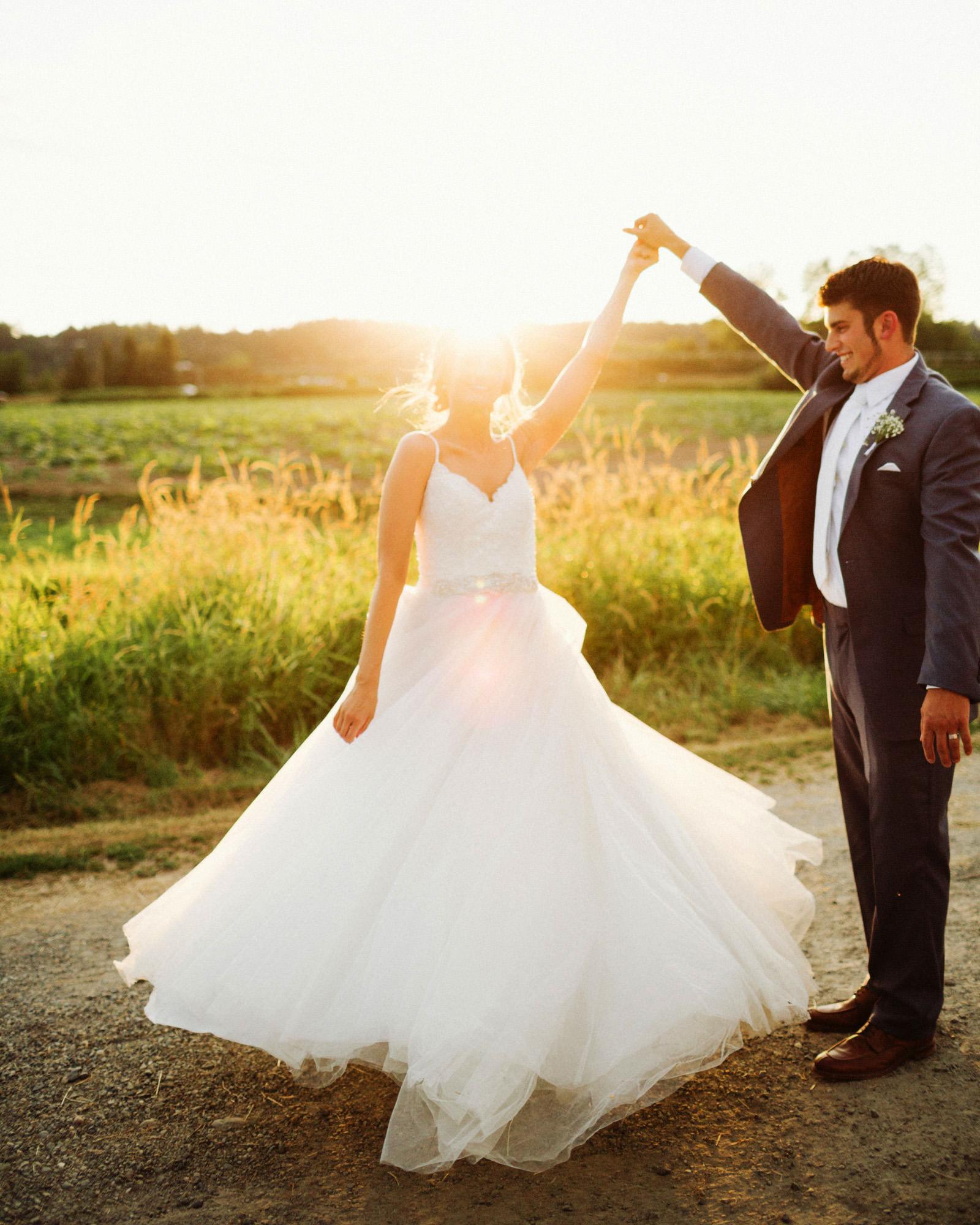 jacobregan-blog-45 SCHILLER FAMILY FARM WEDDING