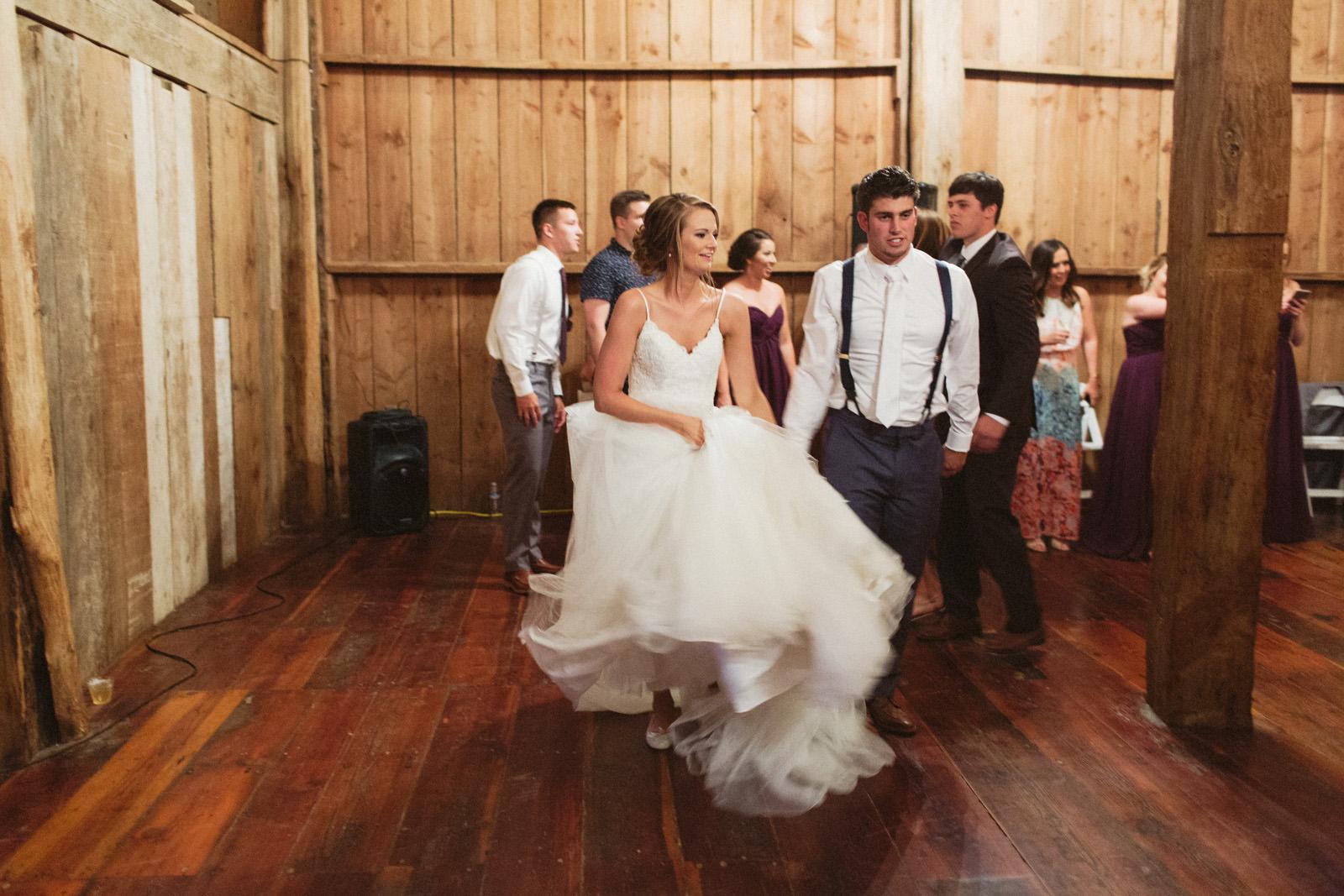 jacobregan-blog-47 SCHILLER FAMILY FARM WEDDING