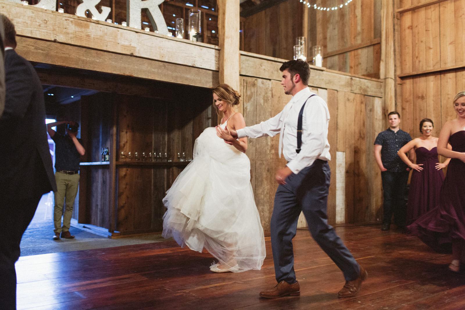 jacobregan-blog-48 SCHILLER FAMILY FARM WEDDING