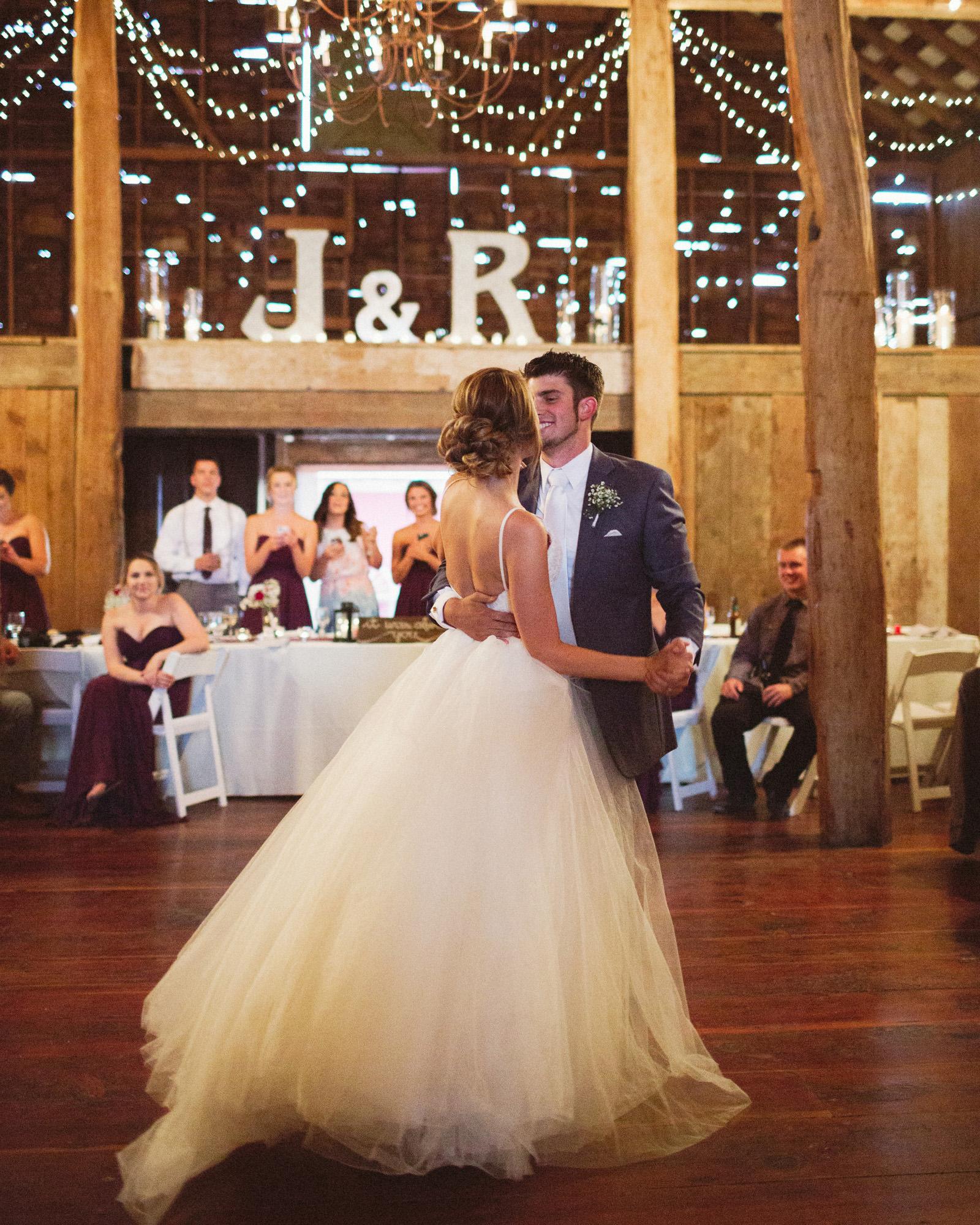 jacobregan-blog-49 SCHILLER FAMILY FARM WEDDING