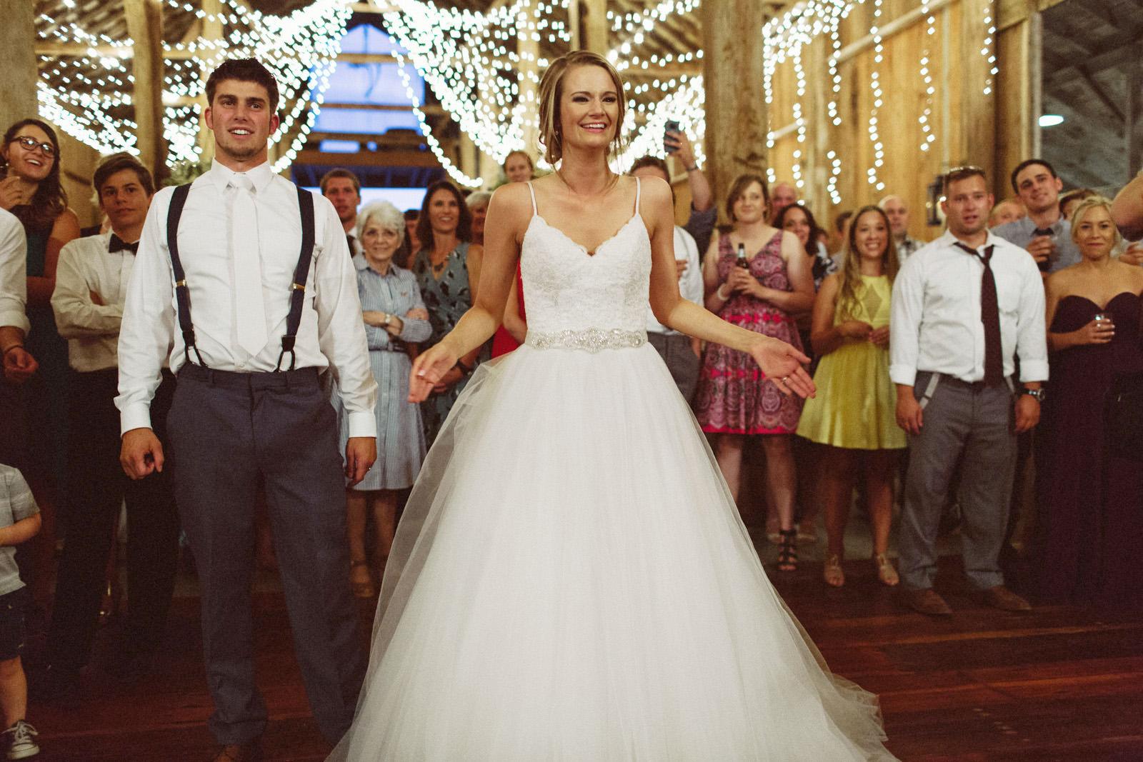 jacobregan-blog-51 SCHILLER FAMILY FARM WEDDING