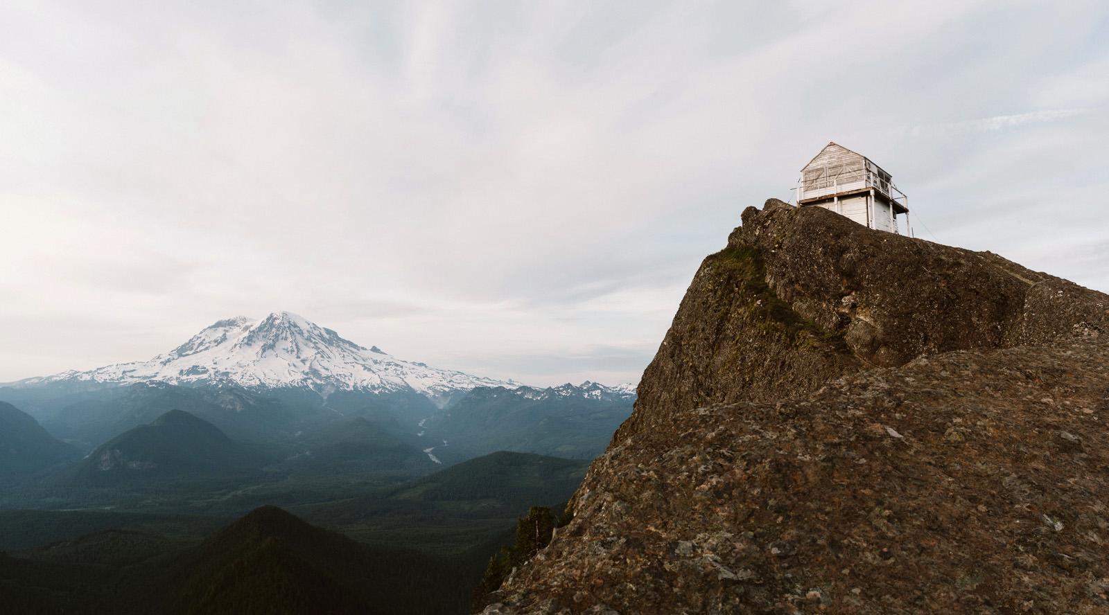katelynnethan-blog-23 MOUNT RAINIER LOOKOUT ELOPEMENT