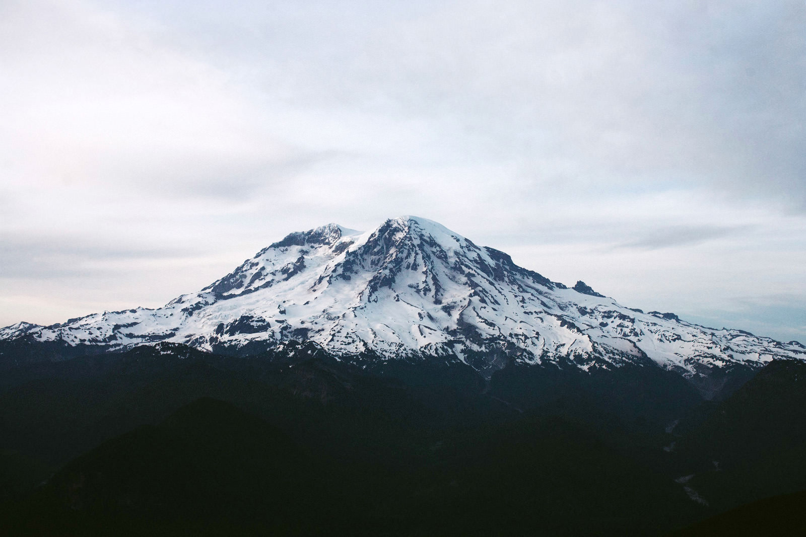 katelynnethan-blog-26 MOUNT RAINIER LOOKOUT ELOPEMENT