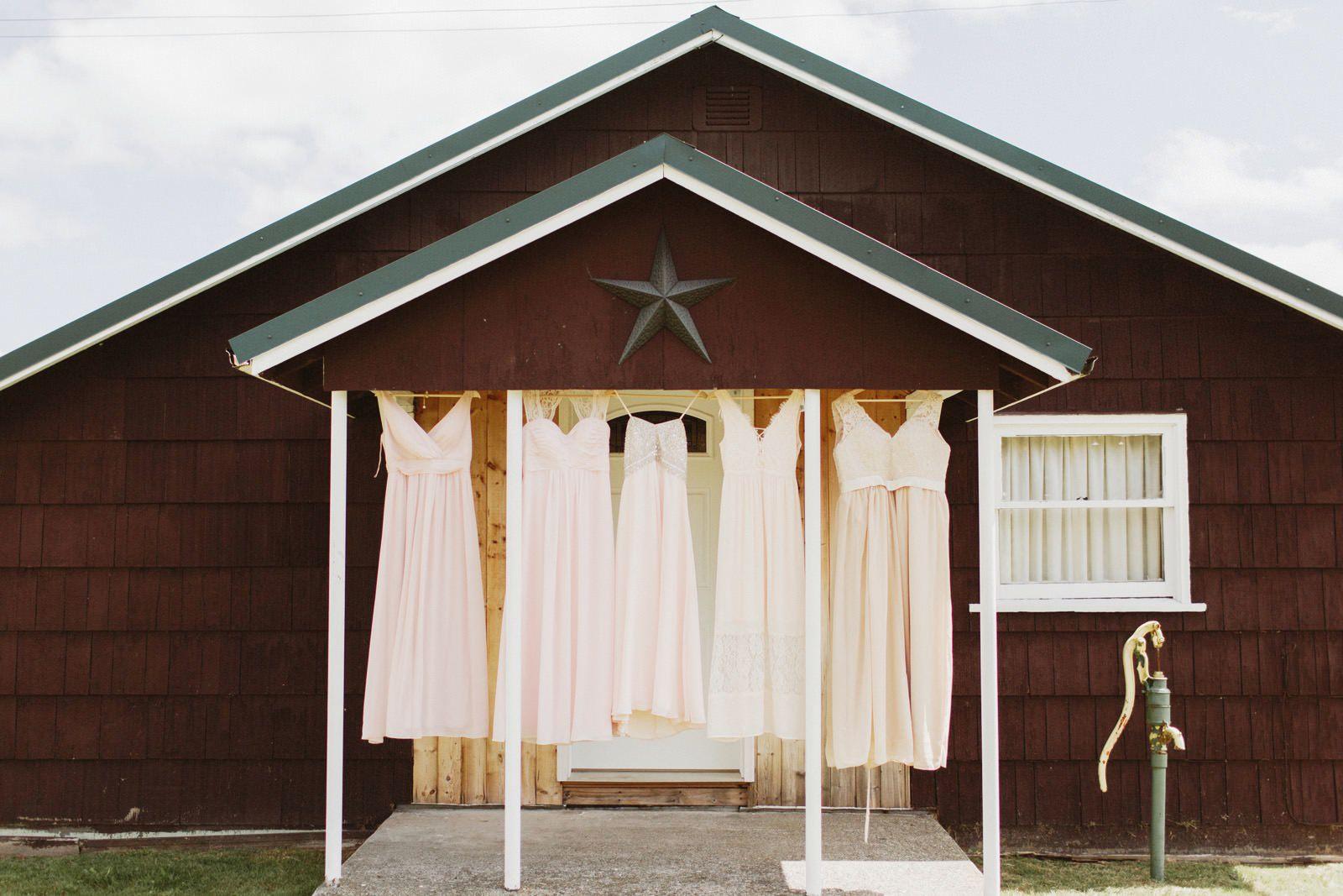 drewtiawna-blog-01 YELLOW BARN WEDDING