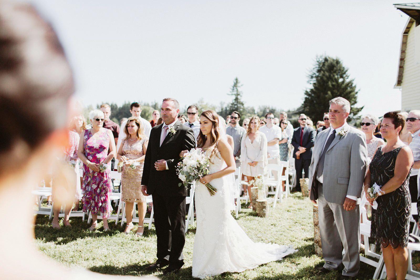drewtiawna-blog-17 YELLOW BARN WEDDING