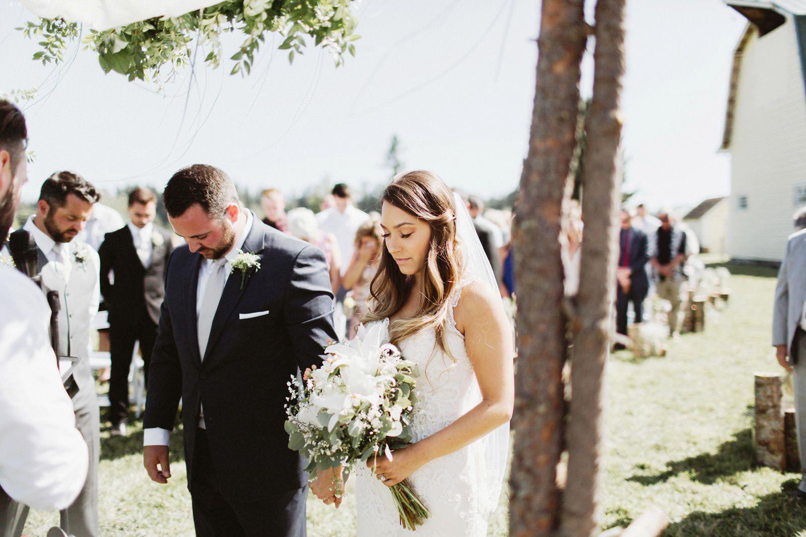 drewtiawna-blog-19 YELLOW BARN WEDDING