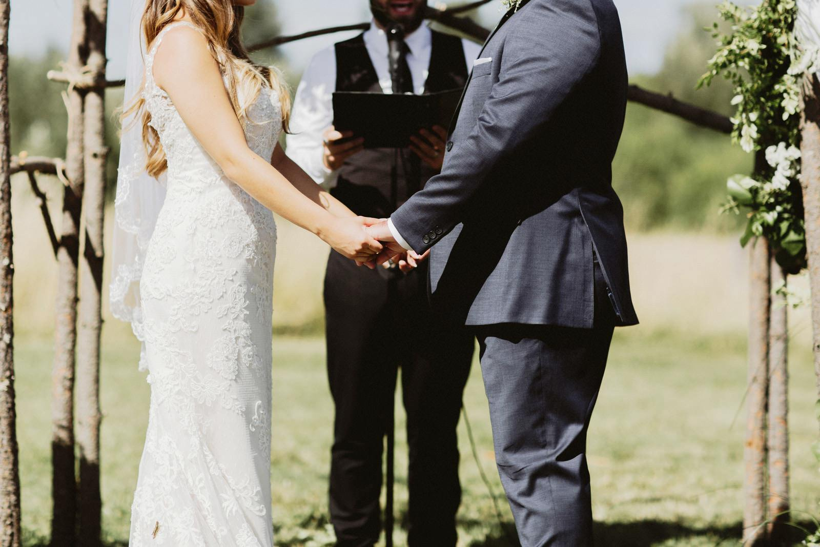 drewtiawna-blog-25 YELLOW BARN WEDDING