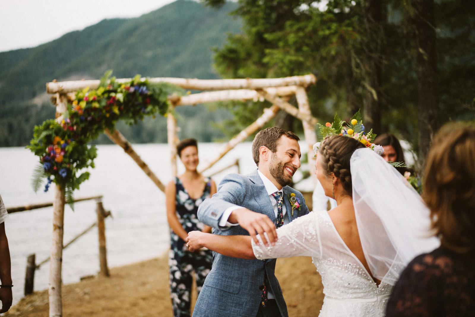 zanny-noah-054 LAKE CUSHMAN WEDDING