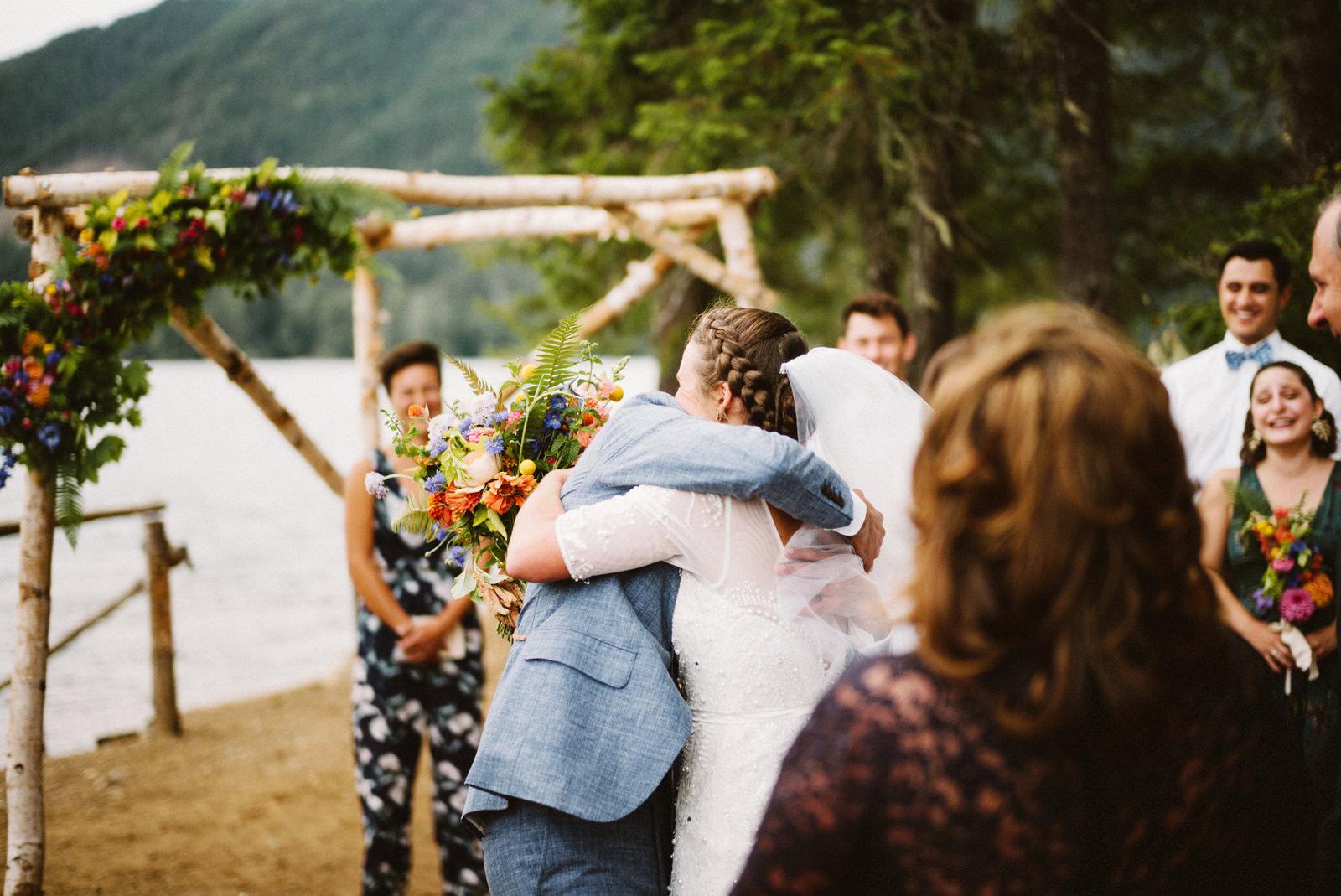 zanny-noah-055 LAKE CUSHMAN WEDDING