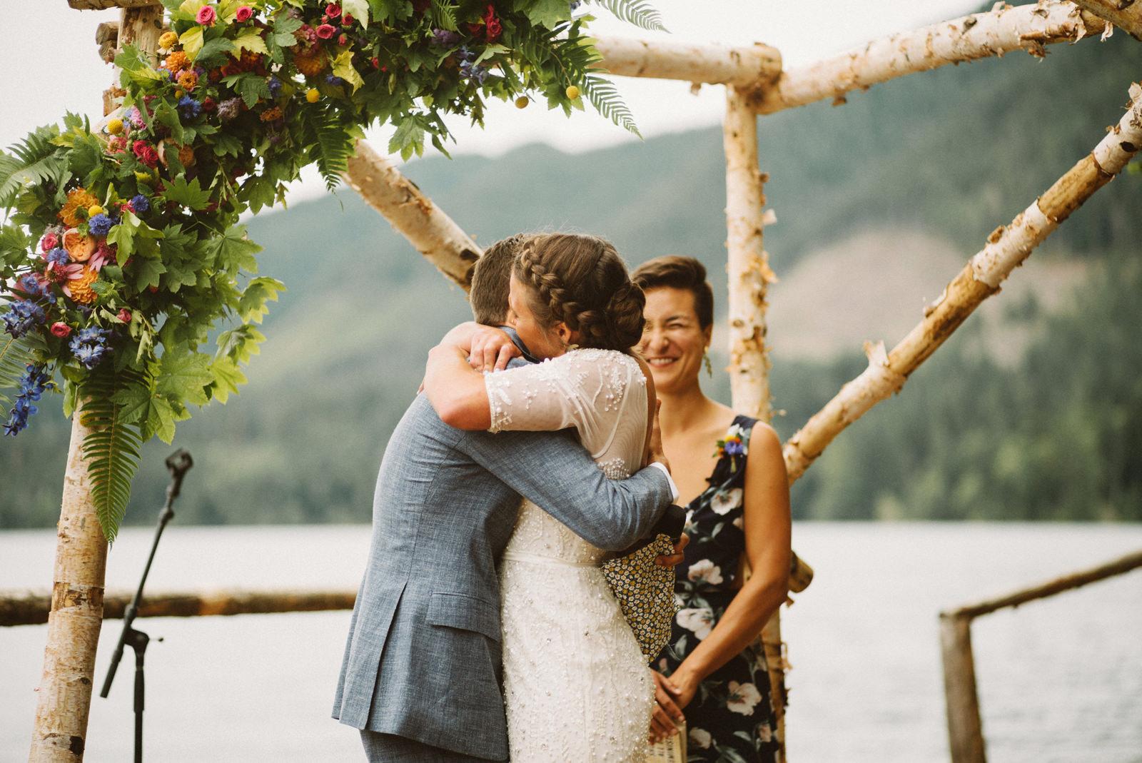 zanny-noah-078 LAKE CUSHMAN WEDDING